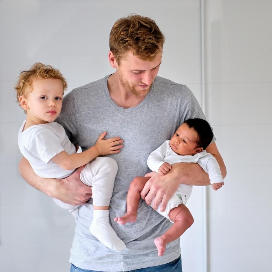 familienfoto papa mit baby und kleinkind hamburg