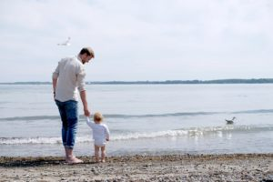 Fotoshooting Familienfotos n Travemünde, Natürliche Familienfotos an der Ostsee