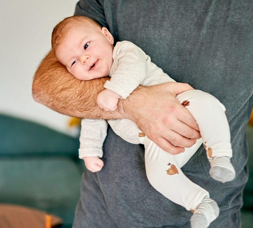 Familienfotografie Hamburg natürliche Babyfotos